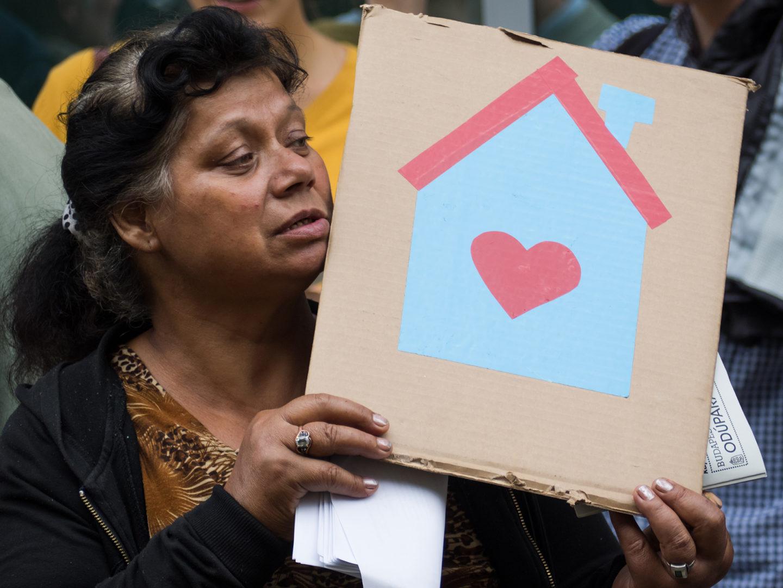 Kunyhóból lakásba. Antiszenzációs dokumentarizmus a hajléktalan emberekért