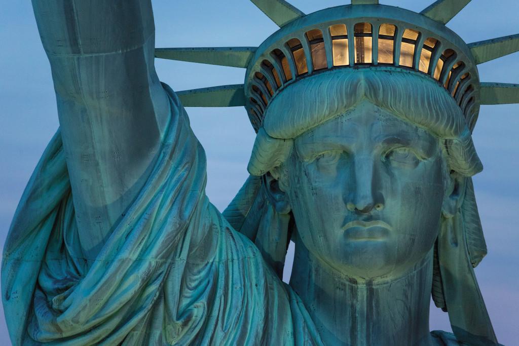 Gazdaggá és híressé tett egy szobrászt az amerikai posta durva hibája