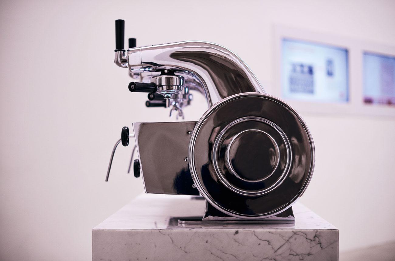 Aerodinamikus kávéfőzőtől a felhőkarcolóig: Gio Ponti művészete