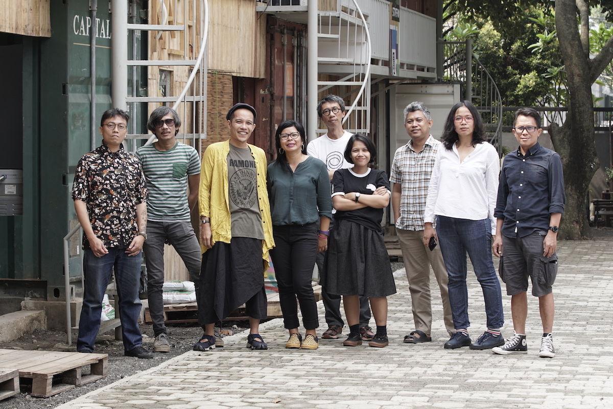 Bombameglepetés: indonéz művészcsoport lesz a 2022-es Documenta kurátora
