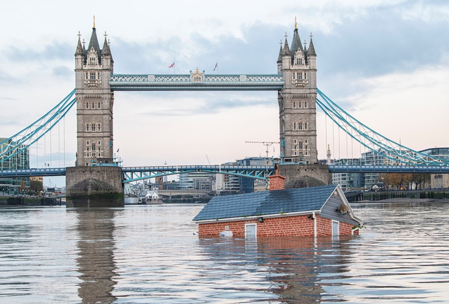 The Sinking House in the River Thames. Photo by Zoe Broughton, courtesy of Extinction Rebellion.