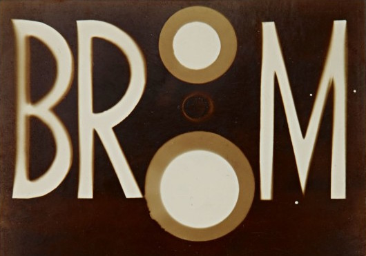 Jelentős Moholy-Nagy fotogram a Sotheby's áprilisi, New York-i fotóárverésén