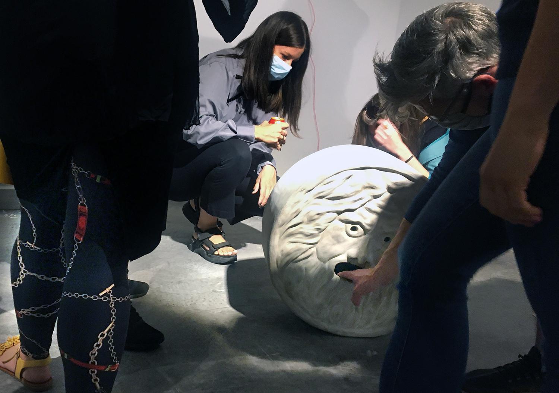 Kiállítások maszkban – Sznobriadó. Tájékoztatási fokozat