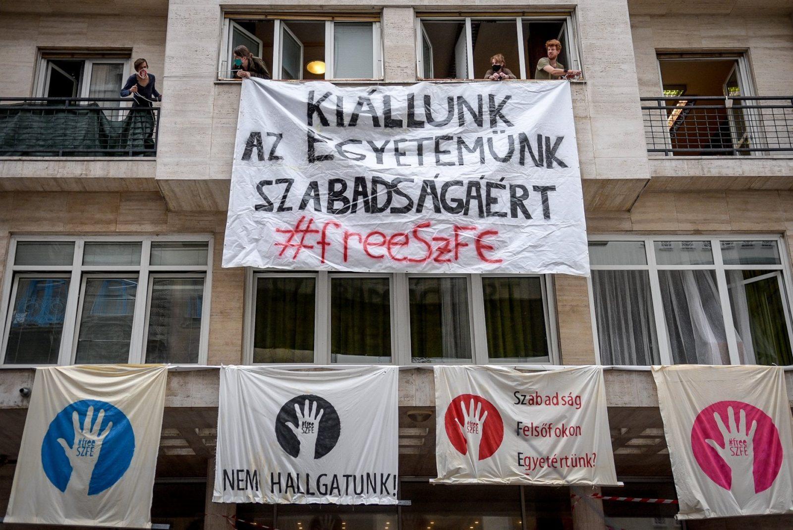 A műkritikusokat tömörítő AICA elnöksége szolidáris az SZFE diákjaival