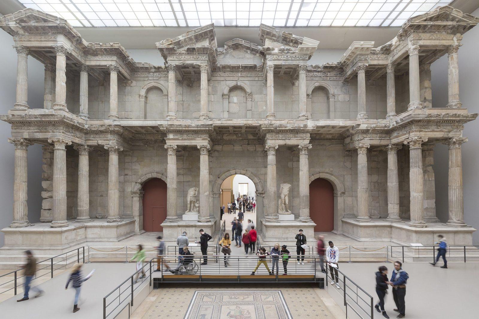 Vandál támadásban rongálódott meg számos műtárgy a berlini múzeumokban a német egység napján
