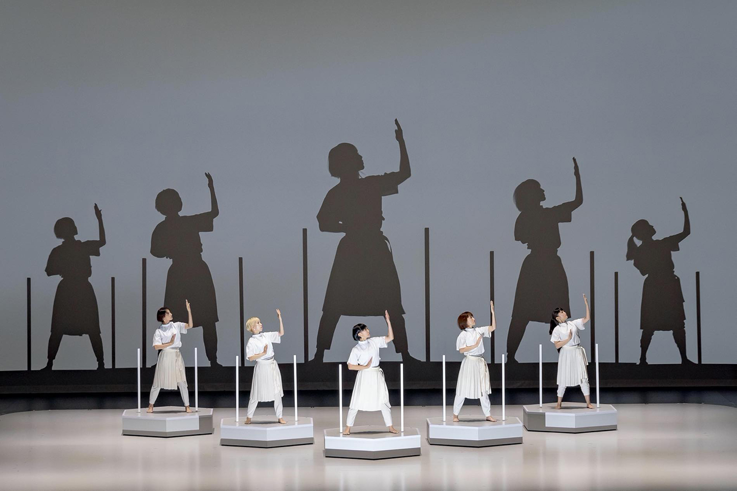 Rhizomatiks Research × ELEVENPLAY × Kyle McDonald,  discrete figures Special Edition, 6 Oct. 2019  Sapporo Cultural Art Theater hitaru  produced by Sapporo Cultural Art Theater hitaru, Rhizomatiks  ©kenzo kosuge